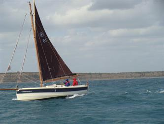 Crabber Rally 2015 - Mellow en route to Poole 25 knot SW wind against the tide
